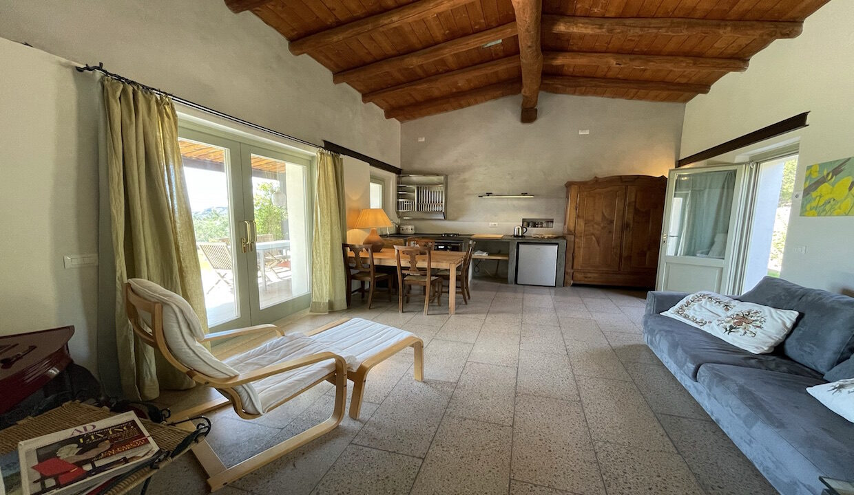 cottage_country_north_east_sardinia_1